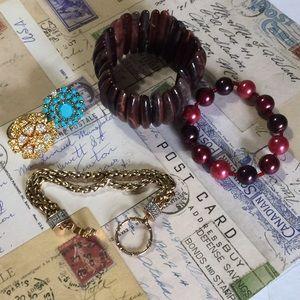 Jewelry - 5 pieces defective jewelry